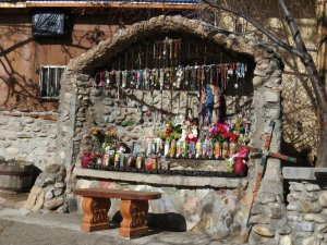 A shrine to La Virgin.